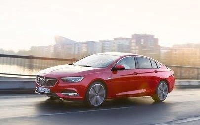 Opel Insignia și Crossland X: Test drive cu premii în rețeaua Opel