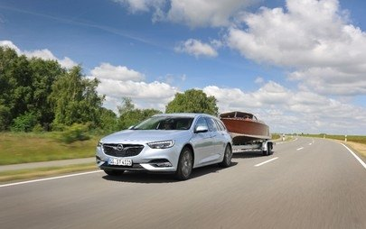 Opel Insignia Sports Tourer: tractarea remorcii devine relaxantă