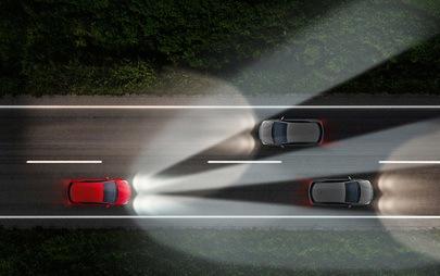 Să fie lumină: farurile inovatoare Opel luminează optim în orice situație