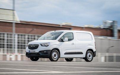Gata cu unghiul mort: Opel Combo Cargo cu noul sistem de camere video