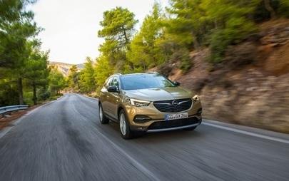 Nouă motorizare pentru Opel Grandland X și un nou nivel de echipare premium