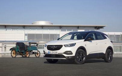 """La mulți ani: Opel pregătește o ediție specială """"120 years"""""""