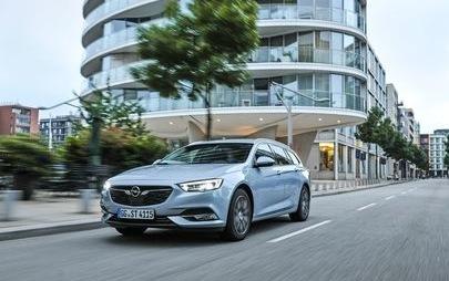 A fost livrat autovehiculul Opel Insignia cu numărul 1.111.111