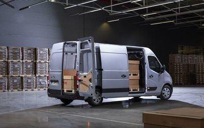 Noul Opel Movano: nivel ridicat de siguranță și flexibilitate, conectativitate de top