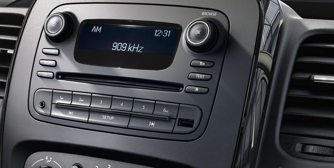 RADIO CD 18